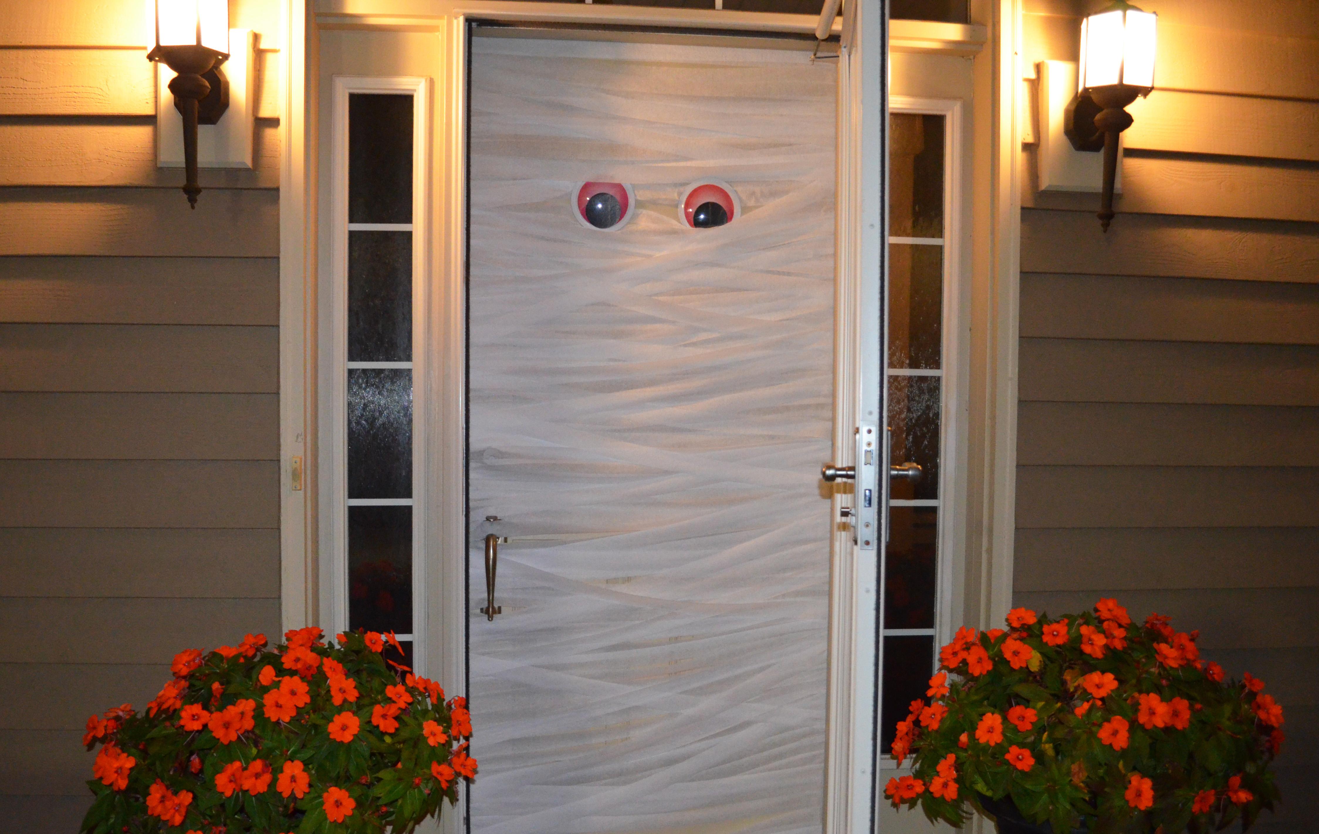 Halloween Mummy Door Whisking Mama